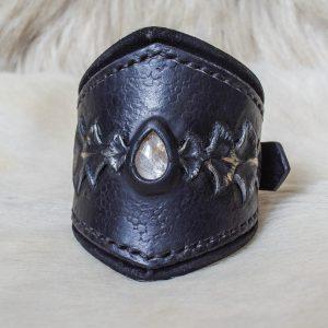 Bracelet cuir noir écailleux